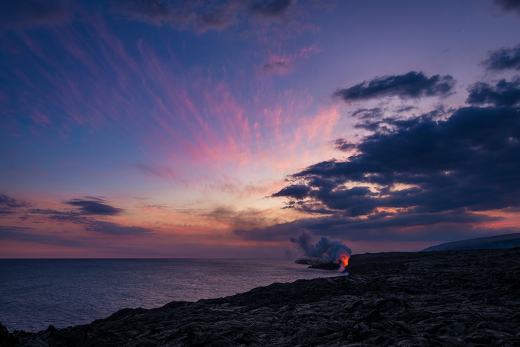 wide-sunset-ocean-entry-kamokuna-lava-viewing-hawaii-volcanoes-national-park-bricker
