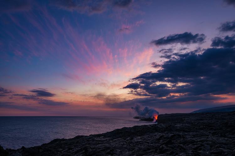 wide-sunset-ocean-entry-kamokuna-lava-viewing-hawaii-volcanoes-national-park-bricker