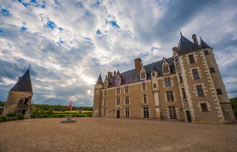 chateau-montpoupon-sunset-loire-valley-france-bricker