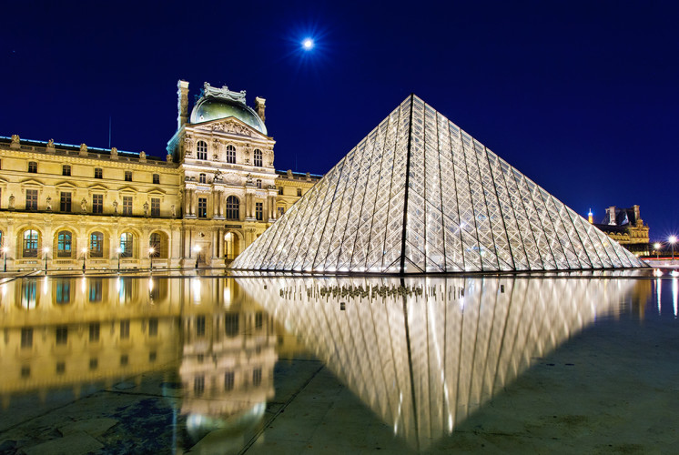louvre-museum-reflection-paris-france-bricker