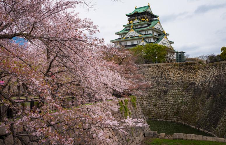 osaka-castle-japan-1018