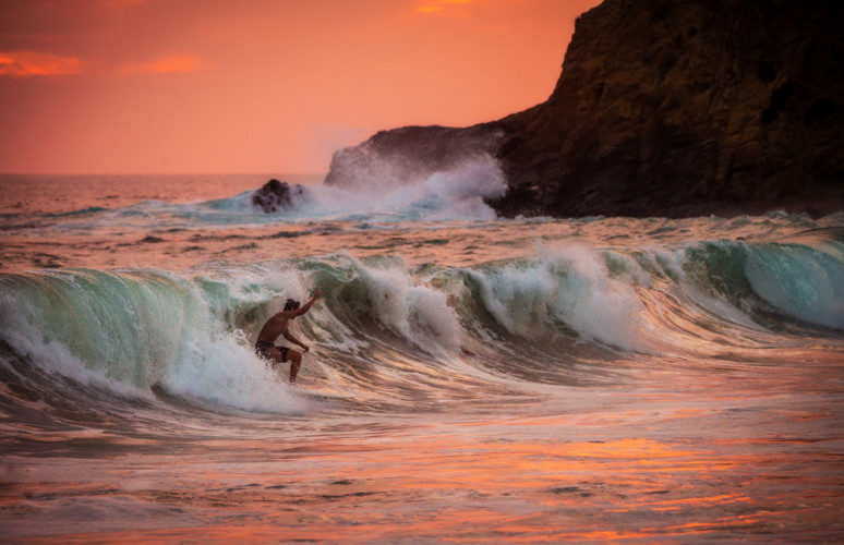 surfer-sunset-super-zoom
