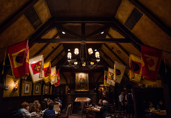 tam-o-shanter-los-angeles-restaurant-walt-disney-928