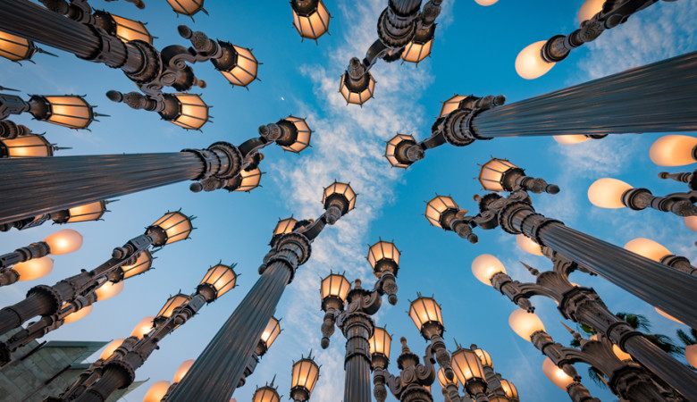 urban-lights-sunset-lacma-los-angeles-county-art-museum-california