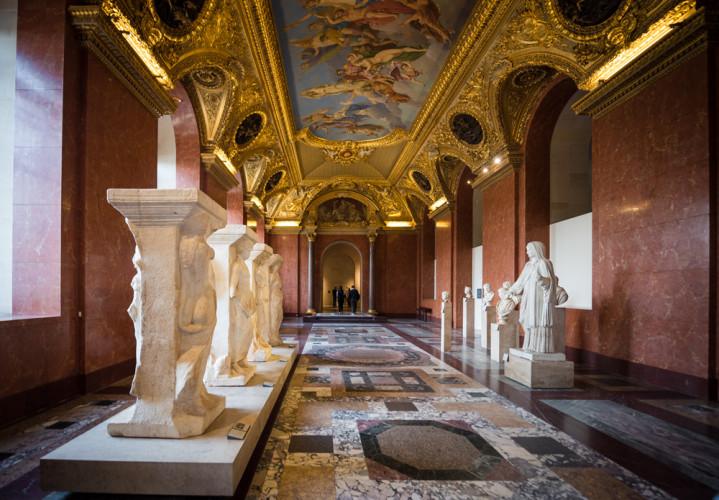 louvre-art-museum-paris-france-196