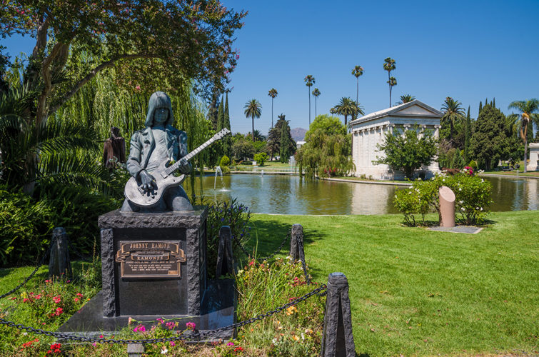 Hollywood Forever Cemetery Review & Tips - Travel Caffeine